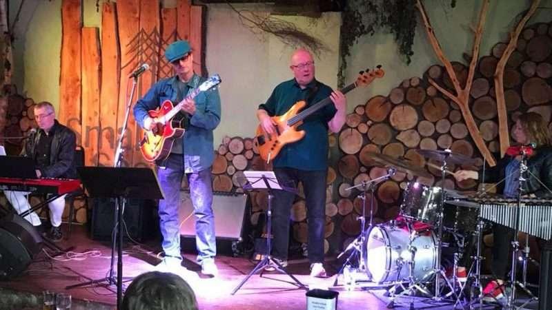 Larry Van Kreidt Band